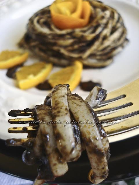 La ricetta della felicità: La settimana della cucina calabrese: linguine al nero con calamaro ripieno