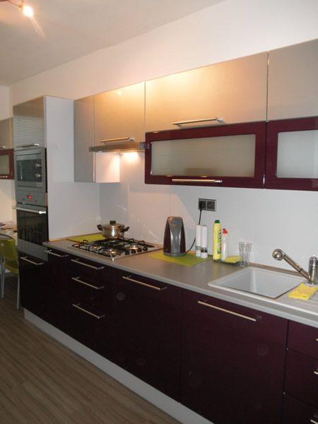Kuchyňa fialová lesklá - BMV Kuchyne