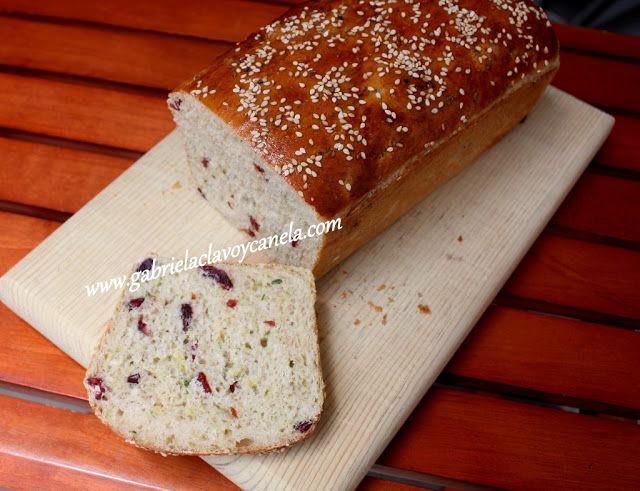 Gabriela, clavo y canela: Pan de calabacín con arándanos