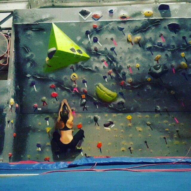 Having fun today training. Finally went all the way up the Salmon ladder then came to @gainesvillerockgym and finally sent a V5 that I've been stuck on for over a month. Decided to play around with a #dyno and some #campusing. Shoulder is feeling better :) #bouldering #climbing #ninjamommy #over40andfit @americanninjawarrior #ANW8 #alwaystraining