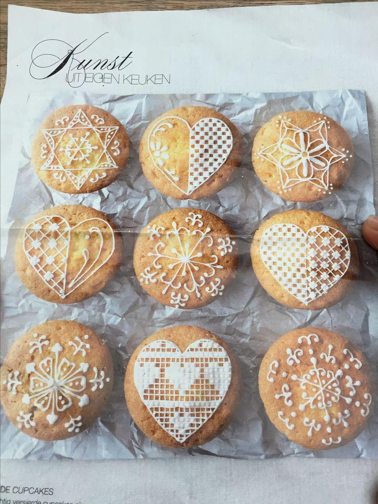 Koekjes of cupcakes glazuur versieren