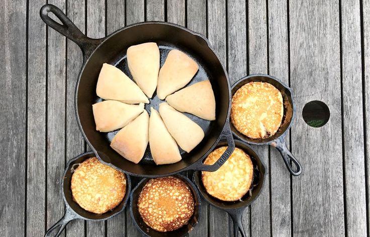 Zoete broodjes van de bbq met ei en roomkaas