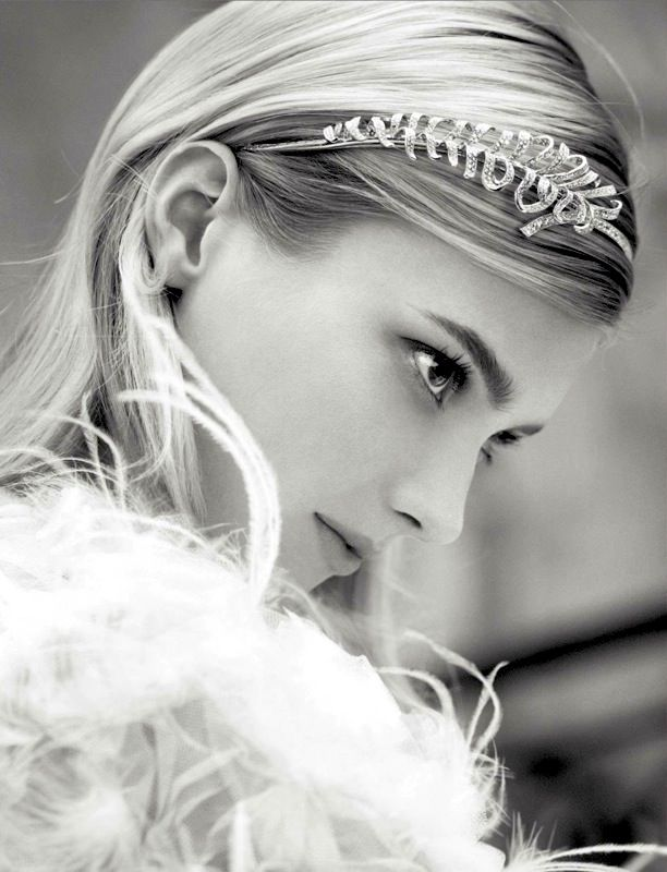 Chanel Joaillerie   S/S 2013 Campaign // Pretty headpiece for a wedding #bride #style