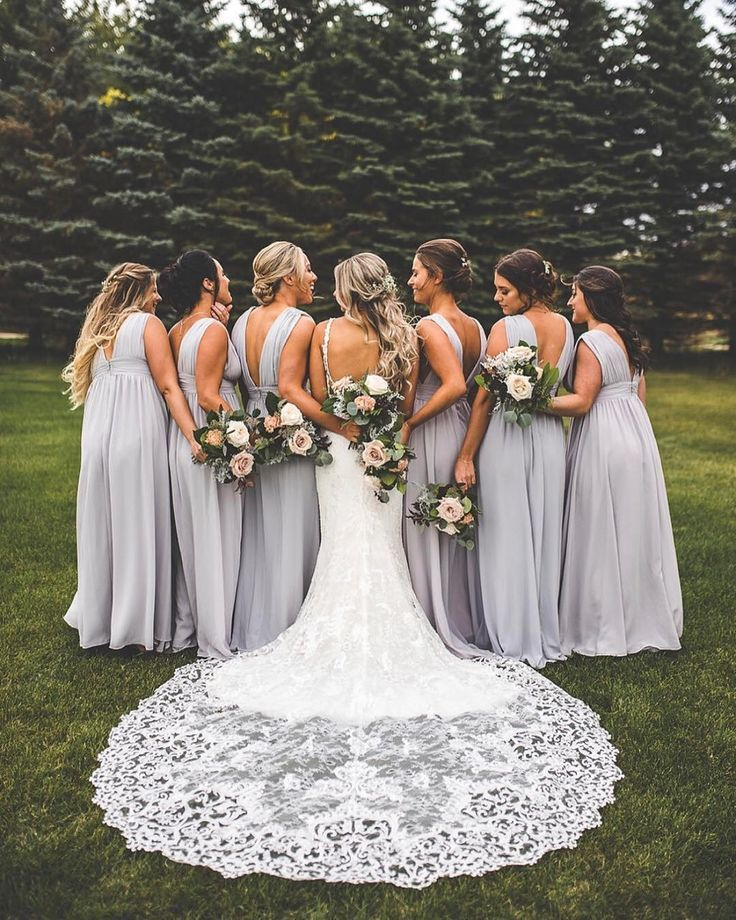 20 wedding photo ideas for your bridesmaids – All things Wedding