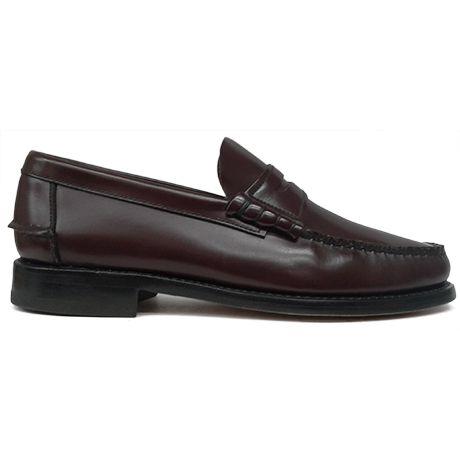Zapato mocasín beefroll con antifaz en color burdeos de Yanko vista lateral