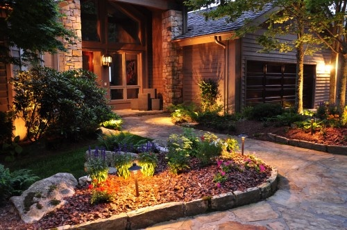 Would love a path like this in the front yard