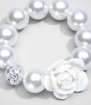 White pearl bracelet: White Rose, Pearls Bracelets Elegant, Pretty Pearls, Pearl Bracelets, White Pearls, Pearls Lavender Lac, Precious Pearls, Pearls Ess, Pretty Bracelets