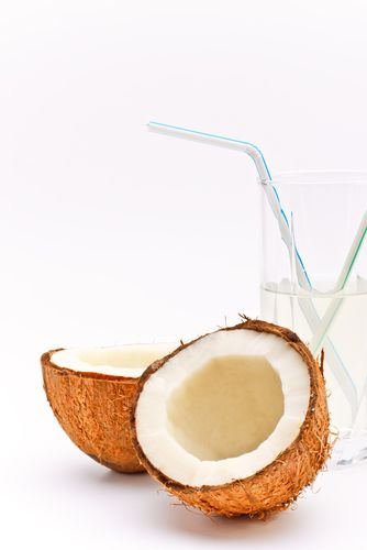 Coconut WaterCoconut Drinks, Diet Food, Diet Drinks, Yummy Food, Coconut Milk, Coconut Water Recipe, Cleaning Diet, Water Recipes, Raw Food Recipe
