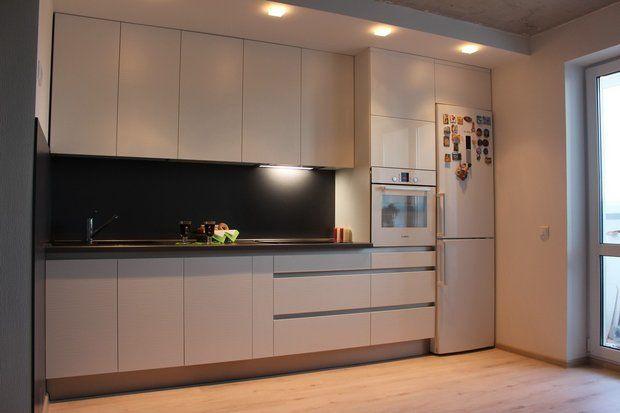 Рассказ Татьяны и Александра из Минска: — Кухня, она же гостиная, площадью 15 м2, расположена в новостройке. Стены — газосиликатные блоки. Квартиру получили в июне этого года. Решили, что к переезду к...