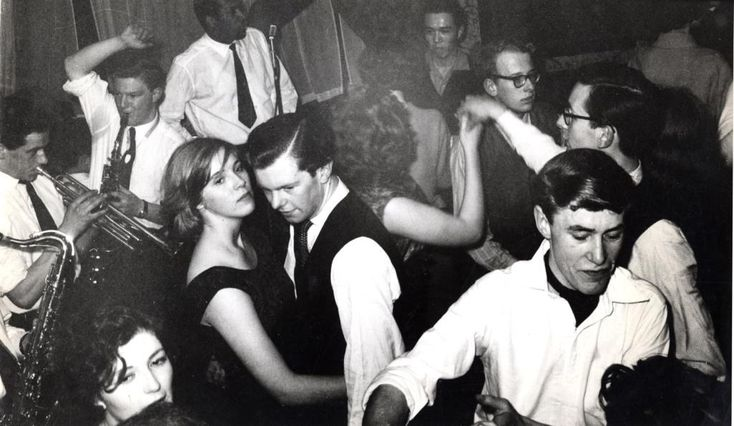 Dancing to the Mike Martin Jazz Band upstairs at the Six Bells pub on the Kings Road, c.1959. Photograph by John Bignell.