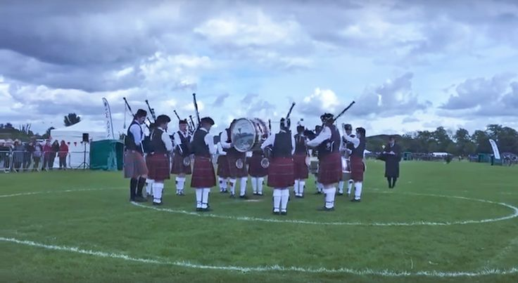 Here is Lisnamulligan Pipe Band's winning performance in the Grade 4B final at the British Pipe Band Championships. The band presents a very good grasp of musical fundamentals of the march idiom. Great composure and control throughout. All essential things to master if any band is to build further. #Bagpipes #pipeband #PipebandLife #learnbagpipes