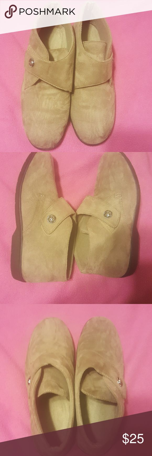 Size 10 Propet Flat Heel Boots I have only worn these once. They are comfortable mini suede boots. Make me an offer or add it to a bundle for 15% off. Propet Shoes Ankle Boots & Booties