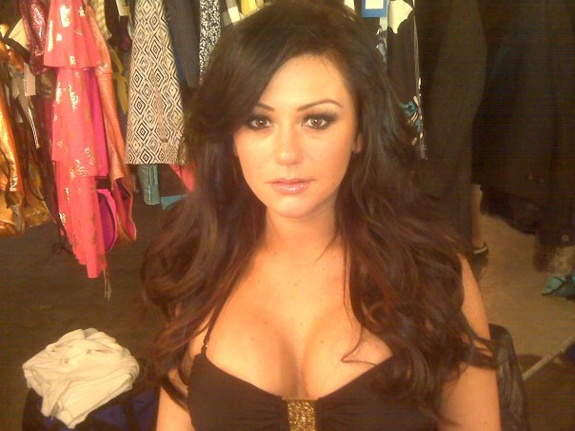 Yes, I like her hair and make up here. And yes, I like Jwoww. Please stop laughing.