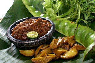 Rumah Makan Bugel Yang Sangat Bersejarah Di Bandung Selatan