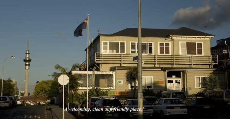 Auckland Backpackers www.uenukulodge.co.nz check out our website today for your cheap accommodation in NZ  #auckland backpackers # lodges in auckland # hostels auckland