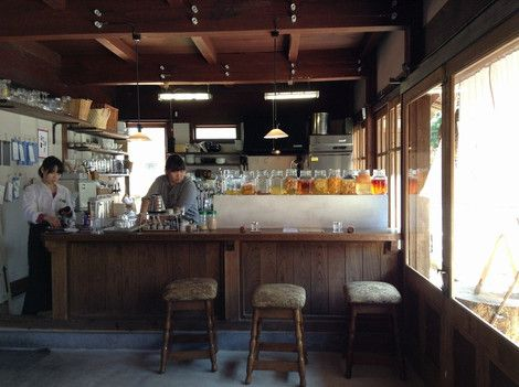 カウンターとオープンキッチン
