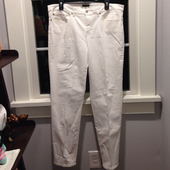 Eileen Fisher White Slim Leg Pants White pants, never worn but I took the tags off (oops). Store price is $168, dropped price to $100!! Eileen Fisher Pants Straight Leg