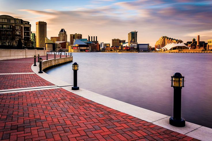 A walkway goes beyond the Inner harbor, past sleek yachts, good shops, and a tiki bar where crabs await.