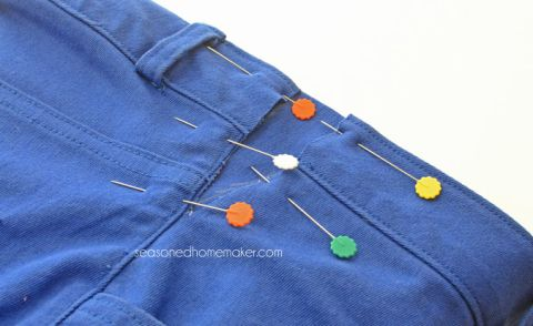 Here's+a+simple+sewing+trick+for+Letting+Out+the+Waistband+in+Jeans.+This+no-seam-ripper+sewing+alteration+takes+about+15+minutes.+And,+no+sewing+experience+is+necessary.+Make+your+jeans+comfortable+in+just+a+few+minutes.+sewing+ +alterations++#seasonedhome