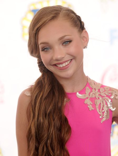 Maddie Ziegler made a public appearance at the Teen Choice Awards 2014 [2014]