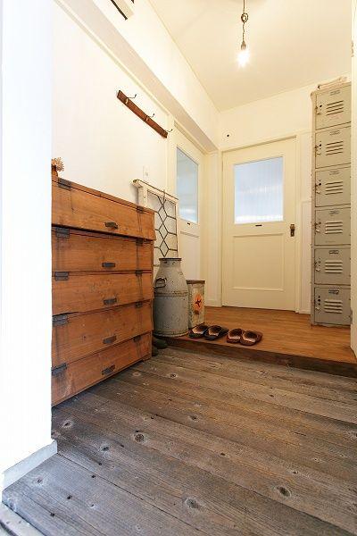 名古屋市天白区の松美建設の手がける、古い公団リノベーション スケルトンリフォーム 玄関 古い木の家具