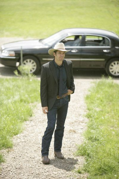 Timothy Olyphant as Rayan Givens in Justified, the TV series