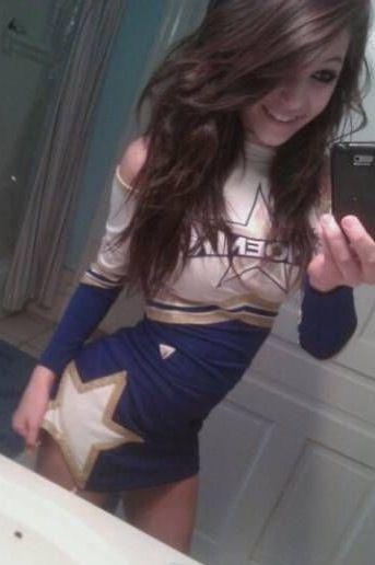 girlfriend cheerleader gallery selfies