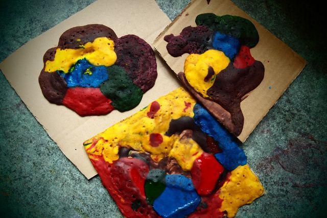 Strefa Dzieci - Puchnące farby, czyli tęczowe, niejadalne wypieki