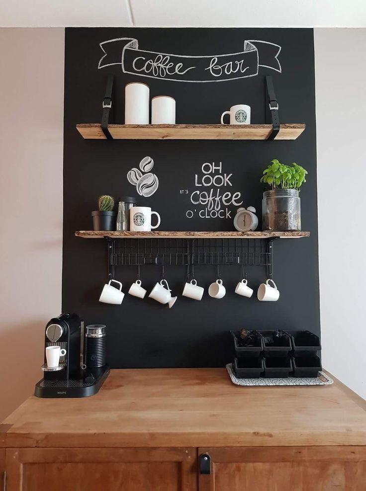 """Oh look, it's coffee o'clock"". Ziet er gezellig uit en wie wil er nou geen in-home-koffiebar, nice!"