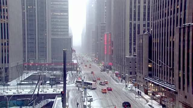 Snow Day! Watch live as snow falls in New York City and around the Northeast throughout the day.  Find out how the snow conditions will affect you: http://fxn.ws/2lVFyUN