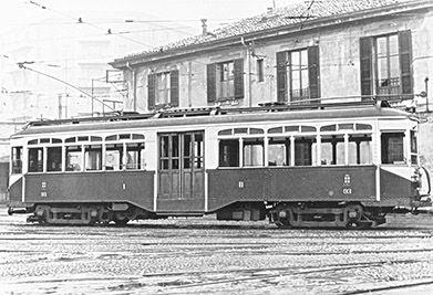 ... tram intercomunale , motrice ATM-93 - Milano deposito Spontini nel 1952 - © Umberto Garbagnati -