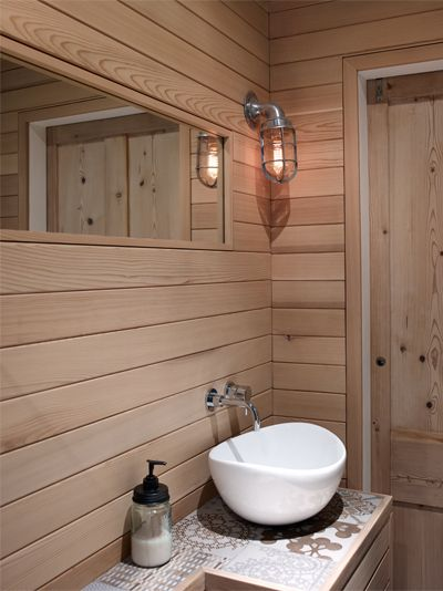 Silva Timber: Boutique wetroom clad in Western Red Cedar 3 of 3