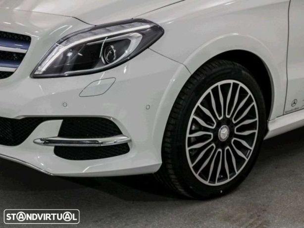 Mercedes-Benz B Electric Drive 250 e GPS Xenon Couro 18 preços usados