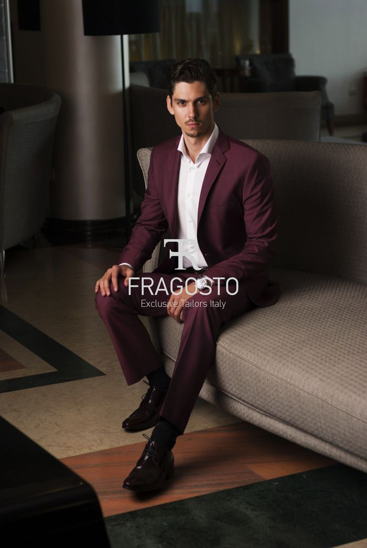 Men's slim fit suit in borbo . Light wine color from Vitale barbers canonic S120 wool