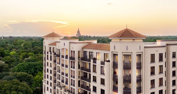 ✰Merrick Manor✰       Address:4133 Le Jeune Road, Coral Gables, FL 33146   Bedrooms:1 - 3   Area:Coral Gables   Status:Pre-Construction    Located in the heart of Coral Gables, just steps from the fashionable shops of Merrick Park, the premier new development, Merrick Manor, is a 10-story residential community comprised of 227 units
