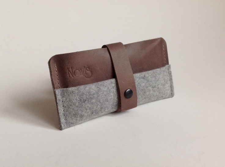 Leather iPhone case with grey wool felt