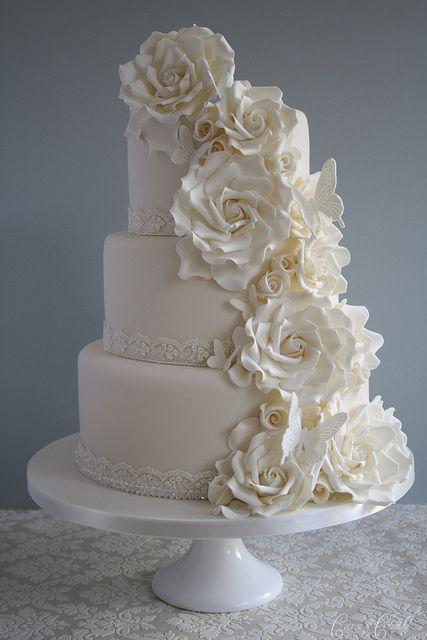 So pretty!: White Wedding, White Rose, Wedding Ideas, Beautiful, Rose Wedding Cakes, Elegant Cake, Red Velvet Cakes