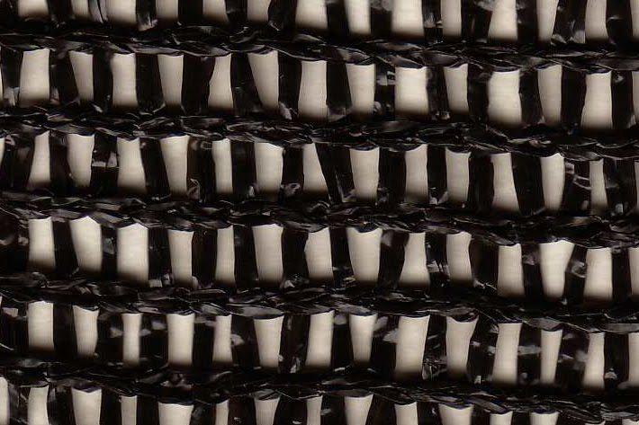 En la construcción del atrapaniebla se está utilizando malla de rafias de polietileno de alta densidad. Esa malla se denomina Raschel debi...