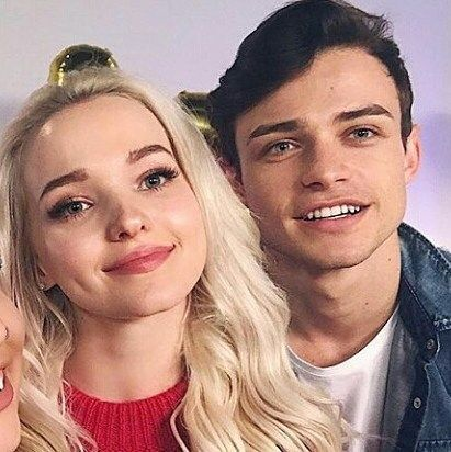 "15 To se mi líbí, 1 komentářů – Domas Is Love (@domas_forever) na Instagramu: ""today direct on youtube disney channel UK in a little while @thomasadoherty @dovecameron"""