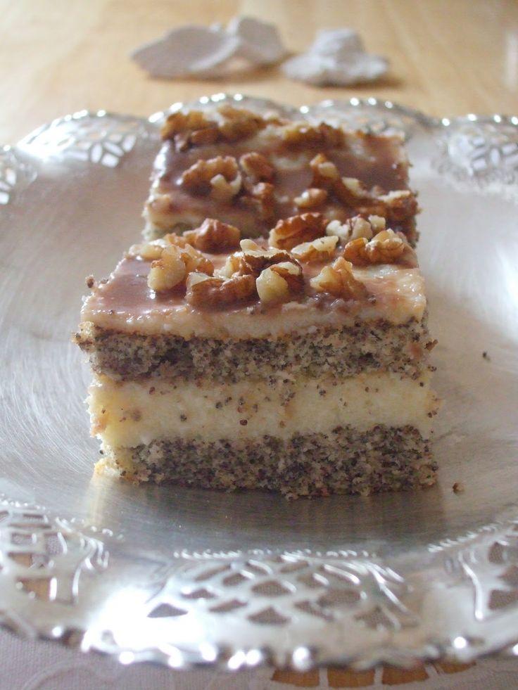 """Jedno z moich ulubionych ciast... a całkiem o nim zapomniałam :) A przepis na """"Przysmak"""" dostałam niegdyś od mamy kolegi, u któ..."""