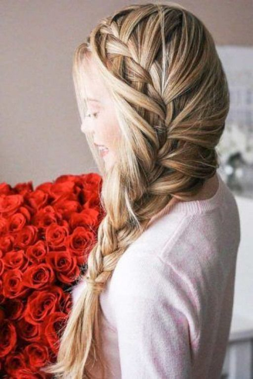 Graduation Hairstyles To Pair With Your Cap And Look Great ? #graduationday #graduation #d… in ...