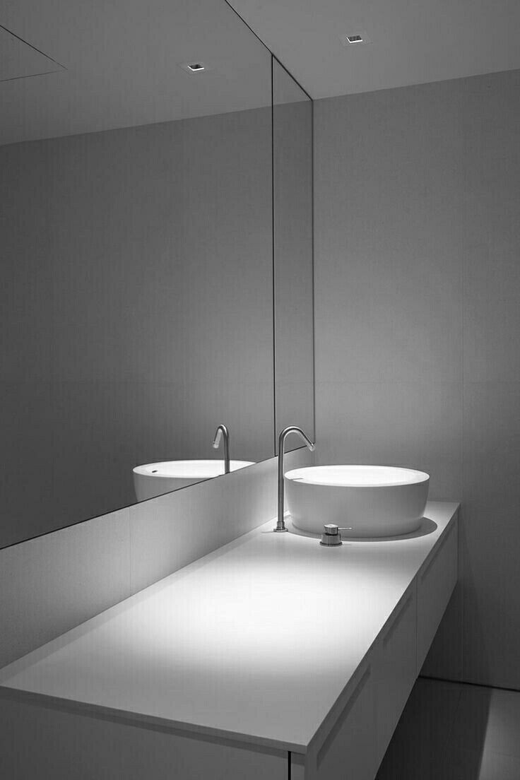 CWS ARCHITECTURE 508 best Minimal Bathrooms images