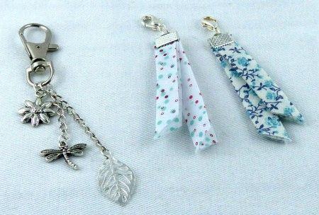 Tuto pour réaliser un bijou de sac avec pampilles et biais Fillawant. http://blog.dmc.fr/2014/03/17/tuto-dmc-bijou-de-sac-biais-fillawant/