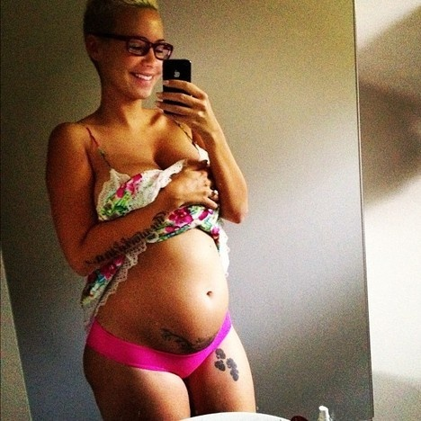 Amber Rose: Pregnant, Half-Nude on Twitter