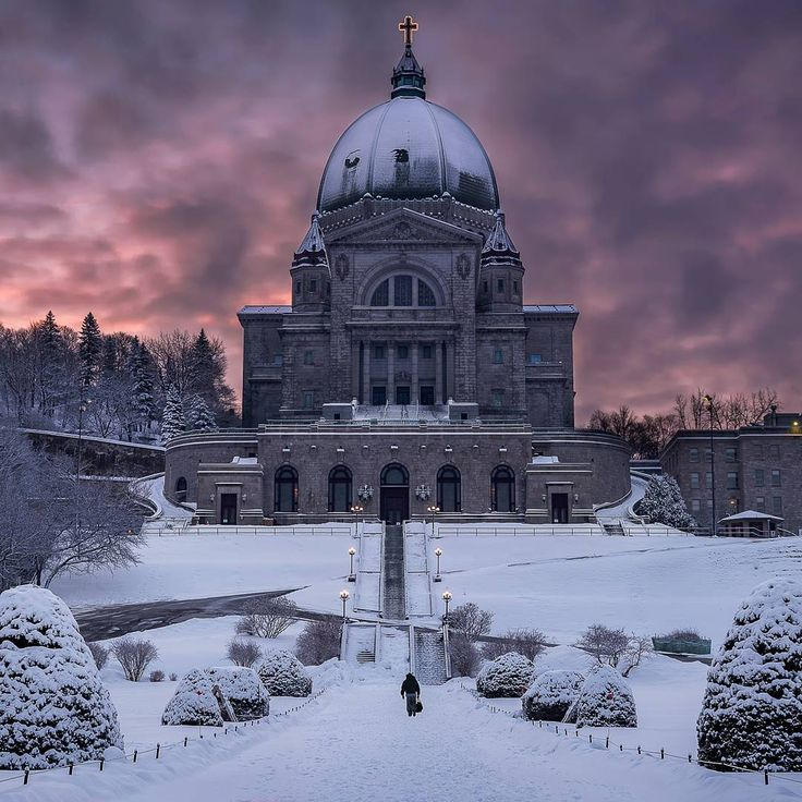"""Cotton candy sky with St. Joseph Oratory in Montreal - Raphael Chapot (@raph.chapot) on Instagram: """"Fresh snow, colorful sunrise, one man, the oratory .... what else needed ? #theimaged…"""""""