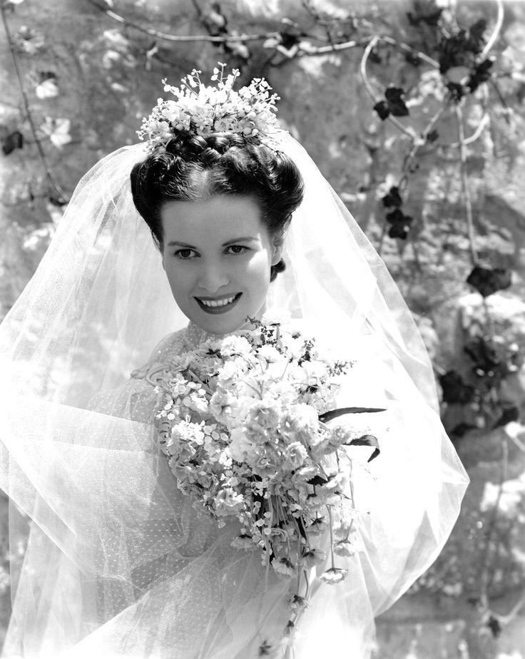 """Loved this picture so much, that I decided to add it to my """"Brides"""" board.  It's Maureen O'Hara in the 1941 film, How Green Was My Valley."""