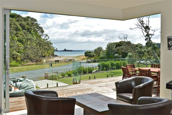 Inquiry sent 5 Dec https://www.holidayhouses.co.nz/properties/60398.asp?datein=2017-04-12 Easter 2017