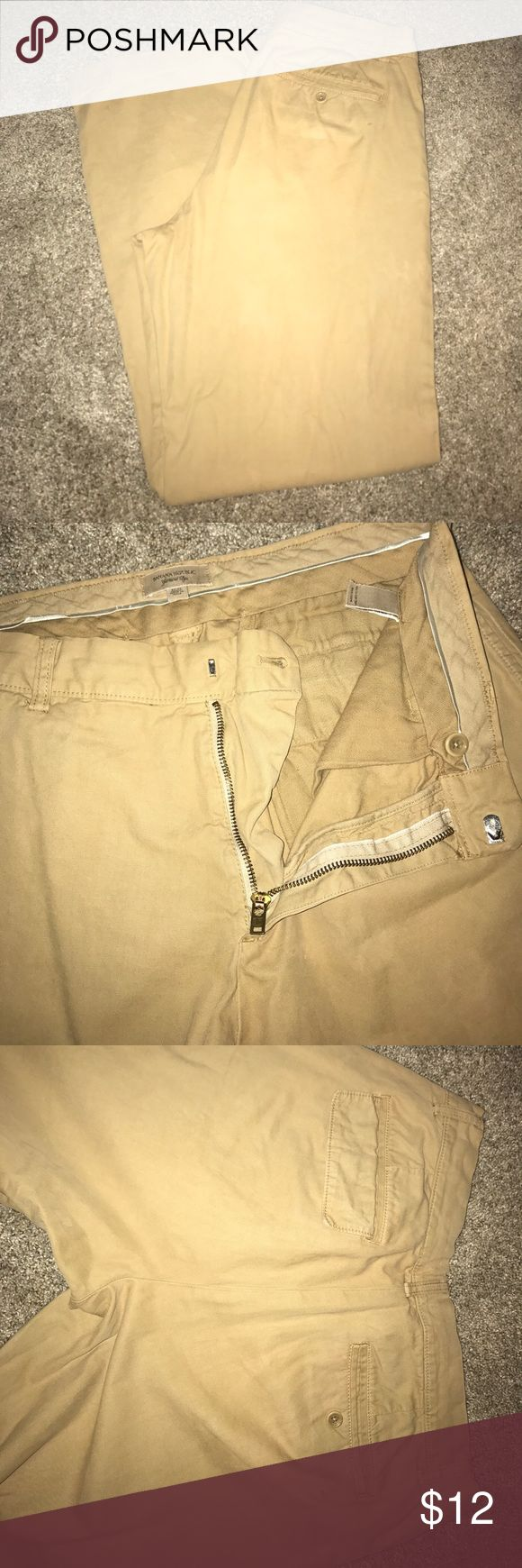 Men's banana republic khaki pants Gently used men's khaki pants from banana republic, sz 32x32, one small stain at the bottom as pictured, otherwise in good shape.I have never tried to remove it, accepting offers 😁 Banana Republic Pants Chinos & Khakis