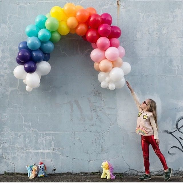 My Little Pony ~ balloon rainbow via Instagram (Inspo)