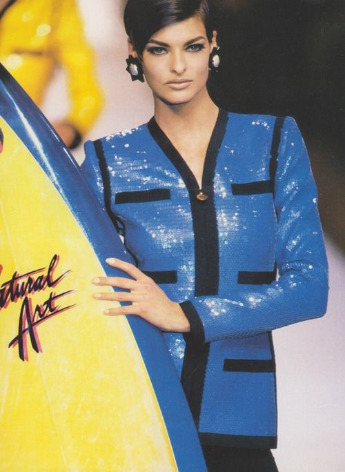 lalinda-evangelista:    Chanel S/S 1991.Model: Linda Evangelista  ( yay! Finally found this photo in good quality, love Linda here :)